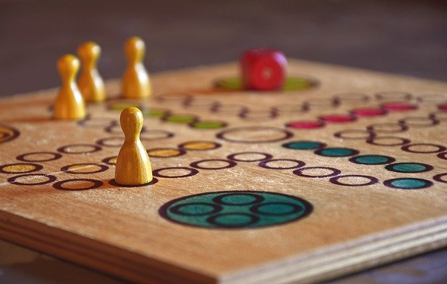 Masa oyunları terapi işlevi görebilir.