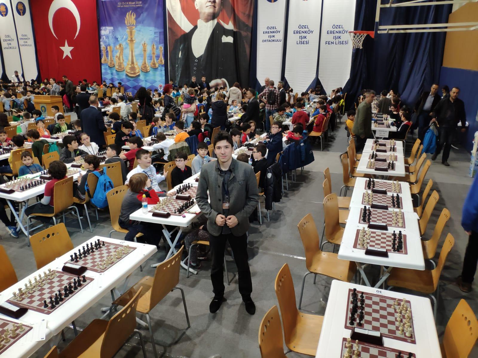 Kızıltoprak ve Mecidiyeköy merkezlerimizin Satranç eğitmeni