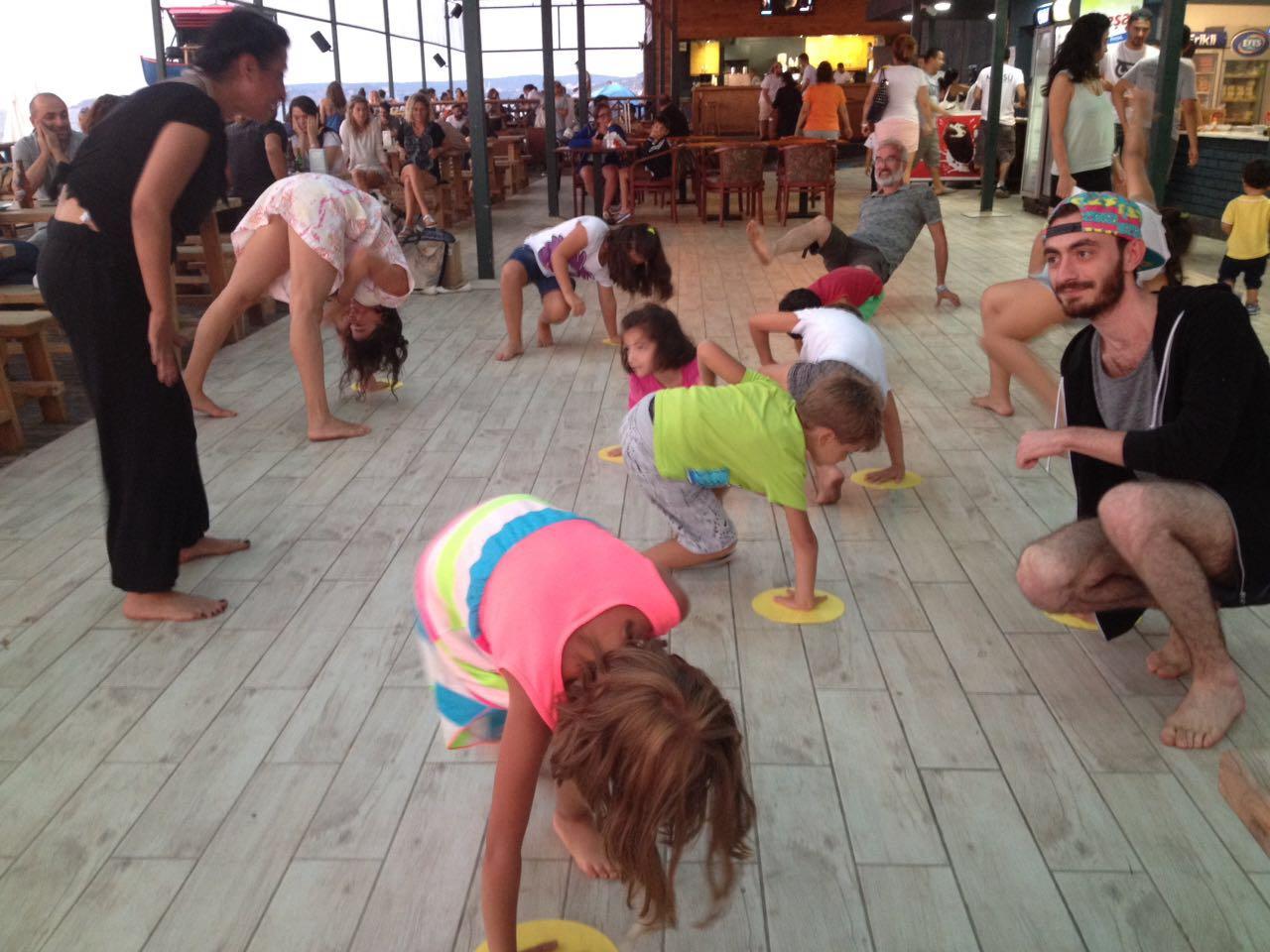 Çocuklar Dans Etmeli